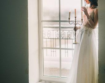 Romantic wedding dress//Wedding dress Fausta//Boho romantic wedding gown//Embroidery