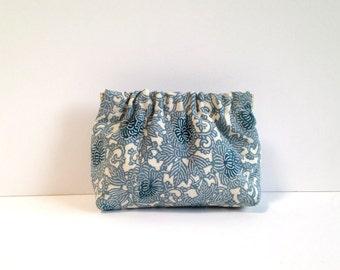 Chako mini dumpling pouch in cream and blue floral