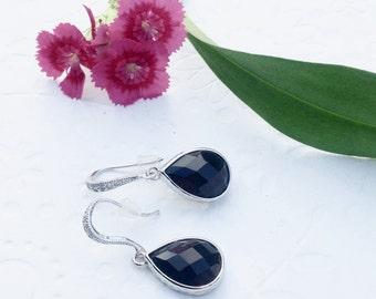 Black earrings, black dangle earrings, Bridesmaid earrings, Wedding black earrings, black drop earrings, chic earrings black, silver earings