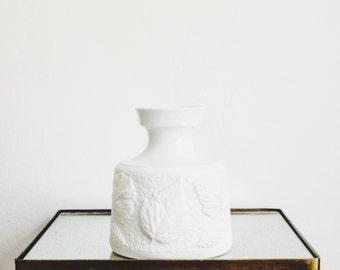 Mid Century Matte White Porcelain Leaf Vase // Schumann Arzberg West Germany // Bohemian Home Decor