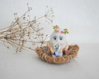 Easter gift Newborn egg and his mother, BJD Pocket friends. Needle felted miniature decoration
