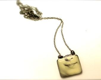 Lover's eye, resin pendant, Eye pendant.  Modern Jewelry. Gift for her, lips, kiss, face, sterling silver