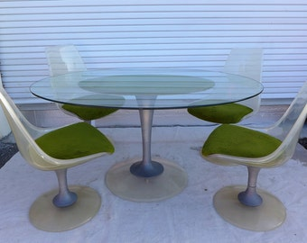 Mod Tulip Dining Set 4 Clear Acrylic Swivel Chairs And Oval Glass Table Saarinen Style Fuzzy Green Mid Century Modern Dining Set Chromcraft