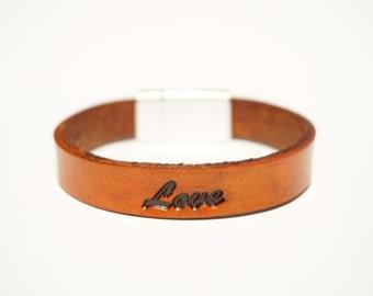"Leather Bracelet | ""Love"""