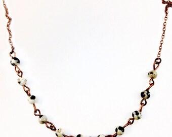 Collar short beads dalmatiennes