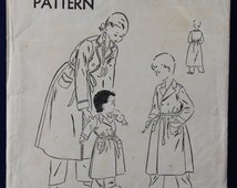 1940's Vogue Sewing Pattern for Child's Robe Age 10 - Vogue 2658