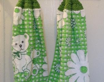 Flower/Bear Hand towel