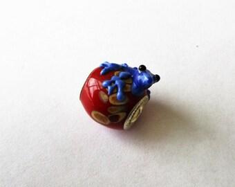 Frog Lampwork Bead, Euro Bead Frog, Euro Glass frog, Lampwork Frog, SS core, Euro bead frog charm, 5mm hole, 20x14mm