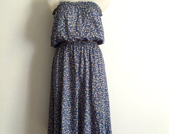 Adorable 1970s strapless sundress with all over abstract lollipop print, shirred bodice and waist