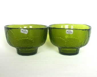 Set of 2 lovely green Swedish Kosta Boda hand made glass bowls with leaf motif design Ann Wärff - vintage 1970s
