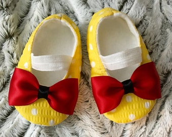 Yellow Minnie Mouse Inspired Baby Shoes, Ballerina Shoes, Mary Jane shoes, Baby Booties, Baby Girl Shoes,Crib Shoes, Yellow Polka Dot shoes