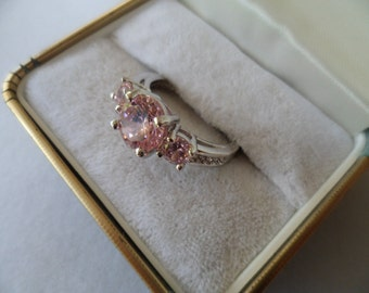 Antique vintage white Gold ring with trio of Sapphire Pink stones ring size 10