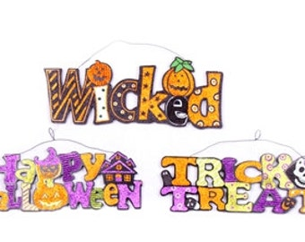 "13"" HALLOWEEN SIGNS- Set of 2/Wreath Supplies/Halloween Decor/OSW156631"