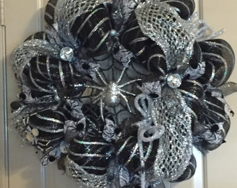 Halloween Spider Deco Mesh Wreath