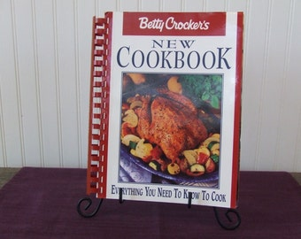 Betty Crocker's New Cookbook, Everything You Need To Know To Cook, Vintage Cookbook, 1996