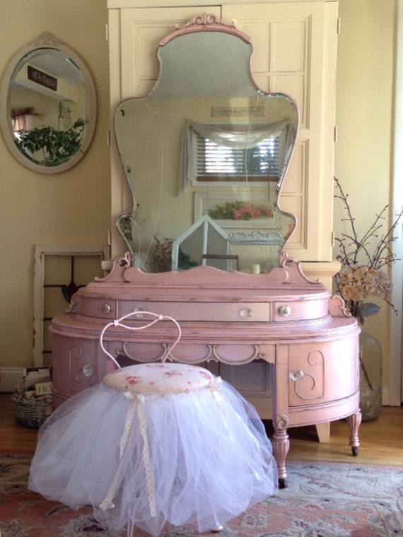 Soldpretty In Pink Elegant Antique Princess Vanity