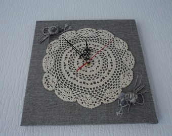 Handmade Doily clock   (00403)