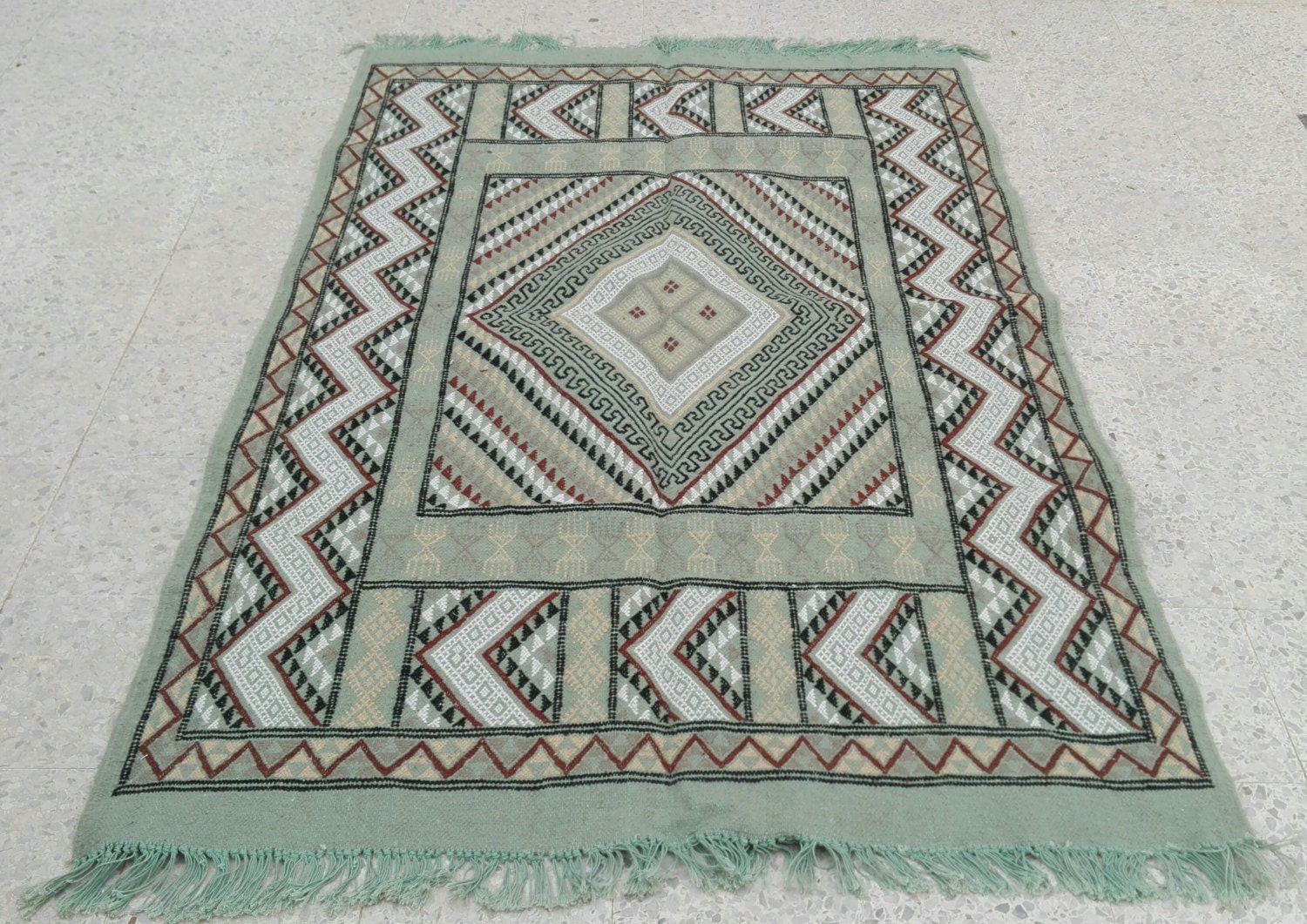 Rug green rug brown rug carpet kilim rug moroccan rug for A treasury of persian cuisine