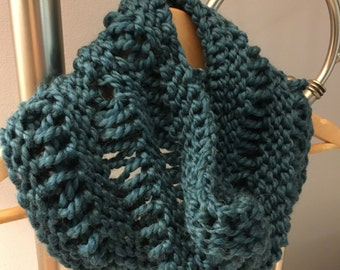 Chunky knit cowl, blue scarf, textured knit scarf, oversize cowl, cozy cowl, handmade winter accessories, winter scarf