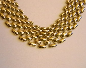 Gold Tone Weaved Chain Link Necklace