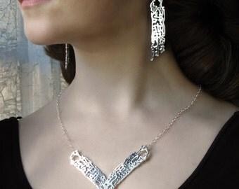 Chevron Necklace, V Necklace, Silver Bib Necklace, Filigree Statement Necklace Silver, Beach Wedding, Gift for Her, Ocean Bib, Anniversary
