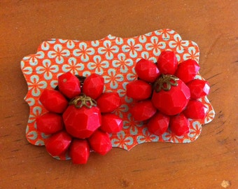 Red cluster clip on earrings
