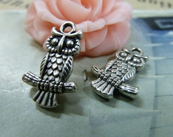 BULK 30 Owl Charms Antique Silver Tone on a Branch - DYS319