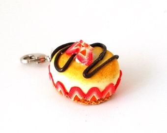 Miniature Strawberry Cheesecake Charm- Miniature food jewelry, Necklaces,Bracelets charm,Dessert charms, Kawaii charms- Polymer clay cupcake