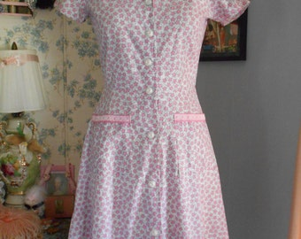 Cute 1940's Pink and Gray Printed Dress