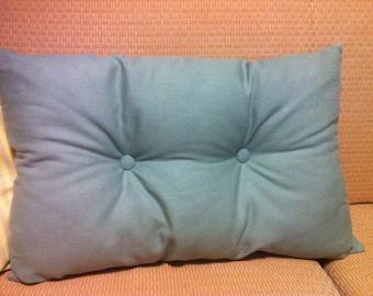 Pillow in linen