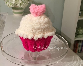Cupcake Hat, Hand Knit cup cake Beanie with heart topping, Baby Shower, Birthday Gift, Photo Prop
