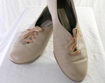 80s tan lace flats
