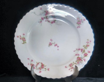 Gutherz Porcelain Dinner Plate in the OSG46 pattern of Pink Roses