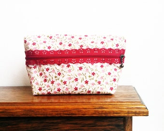 Cute pencil case, Travel makeup bag, Pouch with zipper, Pencil case, Cosmetic bag, Pennenetui, Toilettas, Beauty bag, Floral print, Cotton