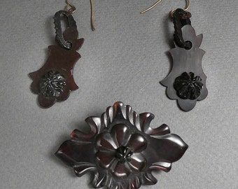 Faux Tortoise Celluloid earrings and brooch suite c 1875