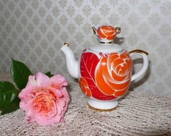 Vintage Porcelain Teapot Leningrad Porcelain Factory LFZ Lomonoov. Red Orange floral décor Made in Russian Leningrad USSR Soviet times Retro