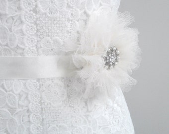 SALE Vintage Style sash, Wedding Sash, Bridal Sash, Tulle Sash, Pearl Sash, Beaded Sash, Flower Sash, Vintage Sash, Lace Sash. Style: Diana