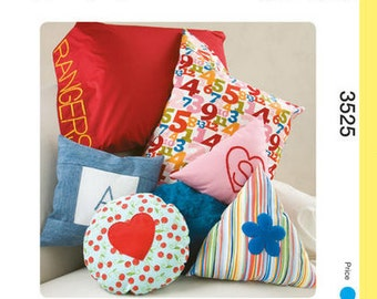 Kwik Sew 'Learn-To-Sew' sewing pattern K3525 My First Projects Pillows and Pillowcase, Designed for the First Time Sewer - new and uncut
