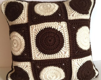 Handmade knitted pillow