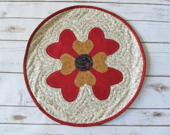 Quilt Table Runner - Quilted Hearts Mat - Valentines Quilt Mat - Quilt n Hearts -  Table Runner Valentines - Valentines Decor Quilt