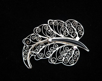 Beautiful Handmade Solid Silver (925) Filigree Brooch with a Black Onxy Stone