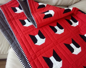 Dog Silhouette Quilt / Red Cat Quilt / Modern Quilt / Red & White Quilt/ Twin Quilt / Throw Quilt / Kid Quilt / Toddler Quilt