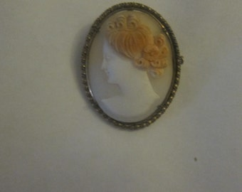 Cameo pin pendant shell necklace and copper