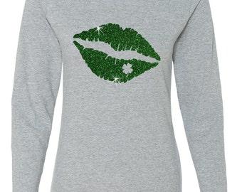 St. Patricks Day Kiss Me I'm Irish Green Glitter Clover Lips Women's Long Sleeve Crew Neck T - Shirt Top