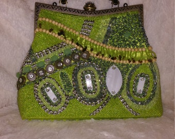 Beaded La Viola Handbag, Green