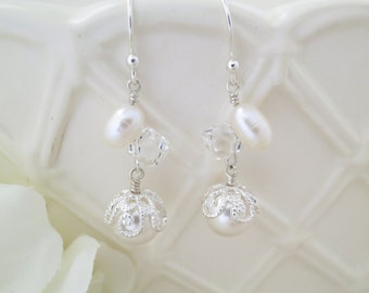 Pearl and crystal drop earring, Swarovski wedding earring, Unique bridal earring