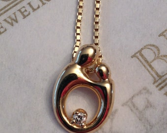 """Vintage 14k yellow gold smaller sized Mother & Child Pendant with a Round Diamond Accent, by Kaynar on 15"""" box chain"""