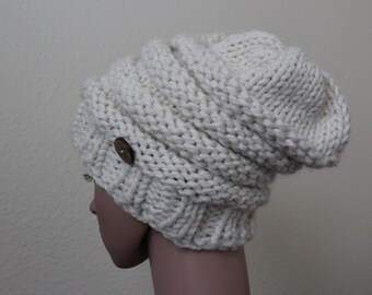 "Slouchie ""Alivia""Hand knitted/Thick Yarn/Wooden Button/Off White"
