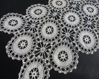 "1960's Ecru Lace Crochet Table Runner/ 1960s Handmade, Wide, Wagon Wheel, Hand Crochet, Dresser or buffet scarf, topper/ 15 1/2 x 37 1/2"""