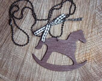 Rocking Horse Necklace ~1 pieces #100437